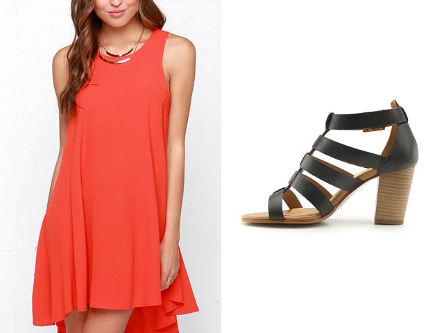 Vestido coral con zapato negro