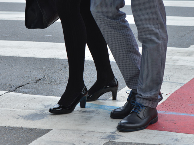 977f3eea 3 formas de identificar zapatos de piel genuina - Blog Flexi
