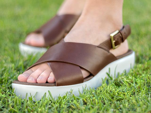 f0044d8ed 01-BLOG-plataformablanca. Solía haber un momento en el que se pensaba que  los zapatos blancos sólo eran para ...