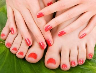 ¿Cómo combinar el color de tus uñas y zapatos?
