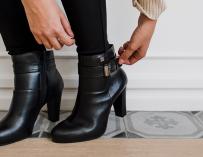 Cómo combinar tus botas de tacón Flexi
