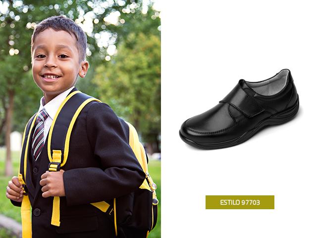 Este modelo es elegante y formal para lucirlo en el colegio o en cualquier otra ocasión con la familia o amigos, los zapatos para niños Flexi son cómodos y vistosos