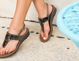 3 ideas para combinar faldas modernas con sandalias Flexi