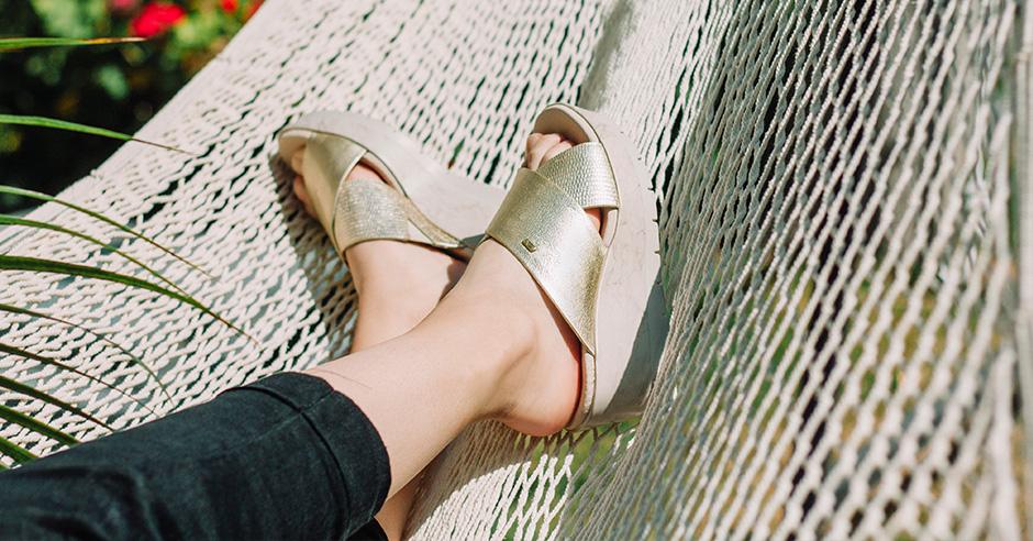 prendas-de-vestir-con-zapatos-flexi